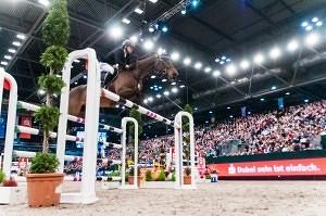 Niklas Krieg siegt im Longines FEI World Cup Jumping Leipzig