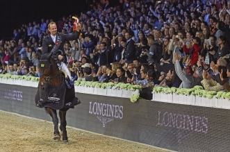 Marco Kutscher (GER) reitet Van gogh nach dem Gewinn des Longines Grand Prix during the 2016 Longines Masters of Hong Kong on February 21, 2016 in Hong Kong, China. Photo by Xaume Olleros