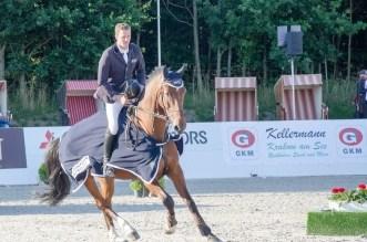 Felix Haßmann und Balance 32 auf der Ehrenrunde (Foto: Hans-Joachim Reiner)