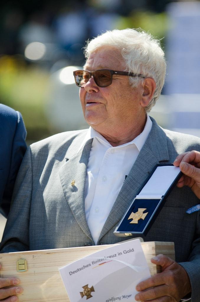 Wolfgang Meyer mit dem Goldenen Reiterkreuz