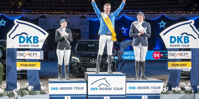 Christian Ahlmann, der Rider of the Year 2018 Platz 2 für Janne-Friederike Meyer-Zimmermann, Platz 3 für Andreas Kreuzer