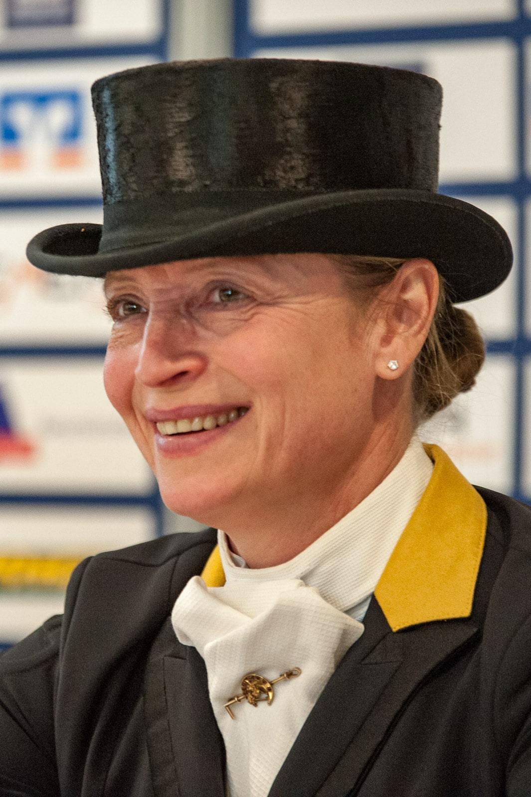 Isabell Werth in der Pressekonferenz