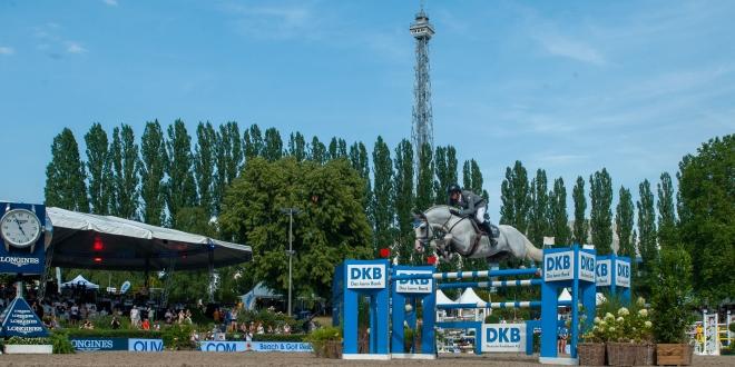 Christian Kukuk reitet Colestus beim DKB Championat in Berlin