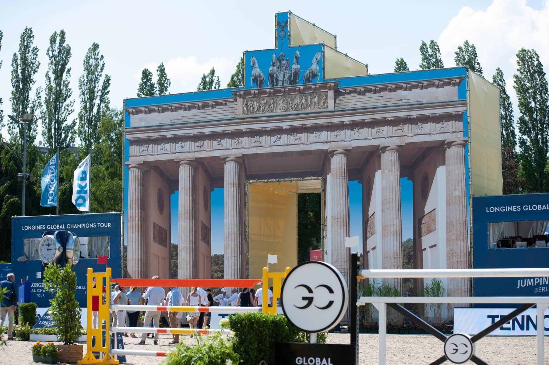 Das Brandenburger Tor im Sommergarten