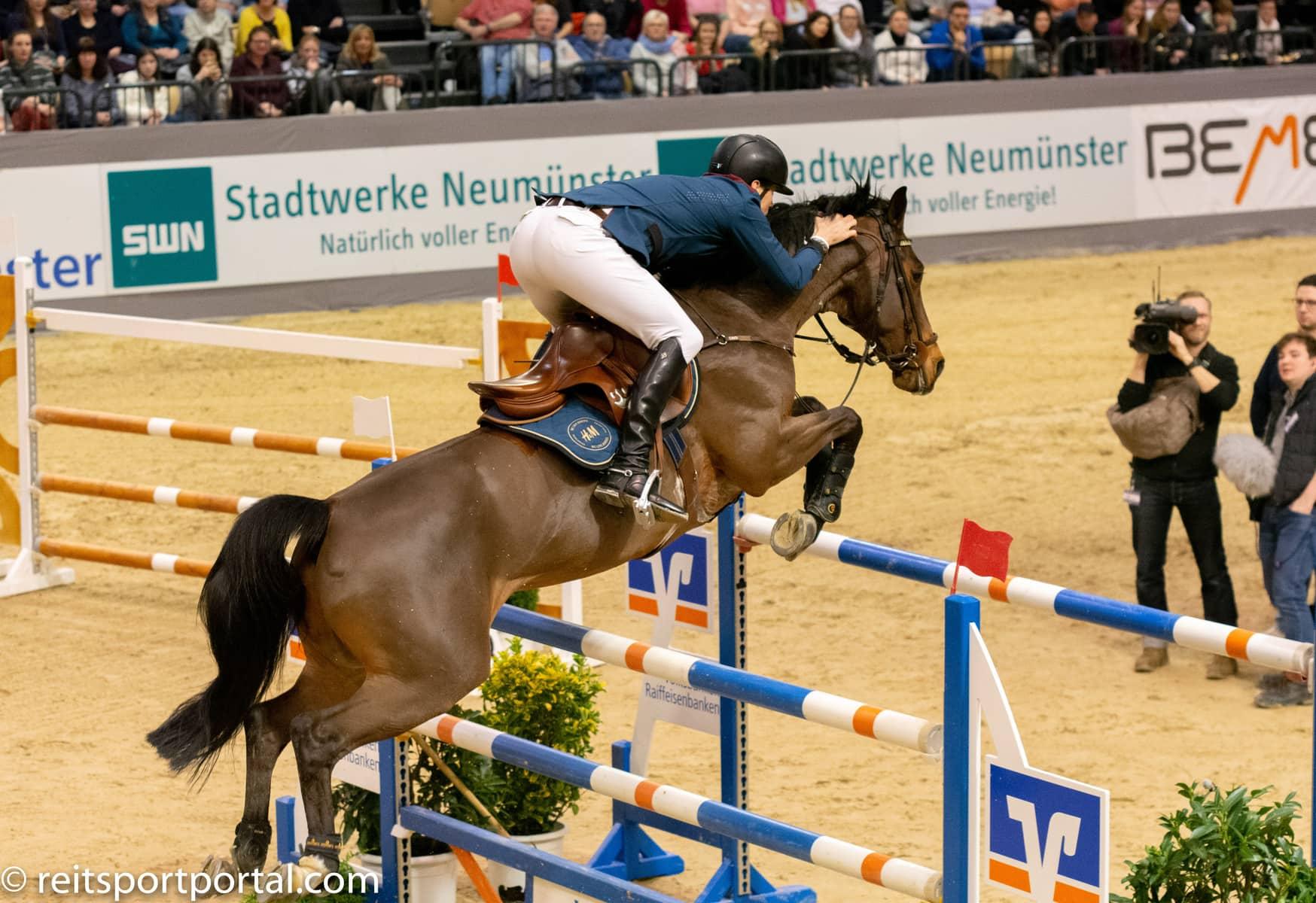 Der Sieger im  Großen  Preis von Neumünster kommt aus Schweden – Peder Fredricson