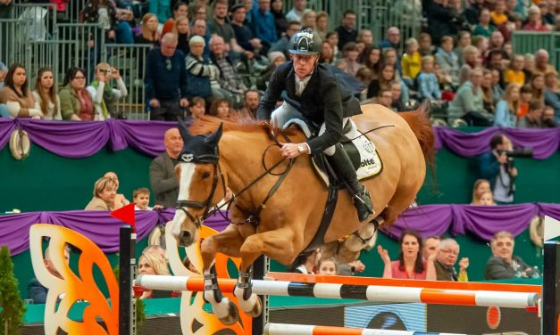 Marcus Ehning siegt mit Pret a Tout im Championat von Leipzig